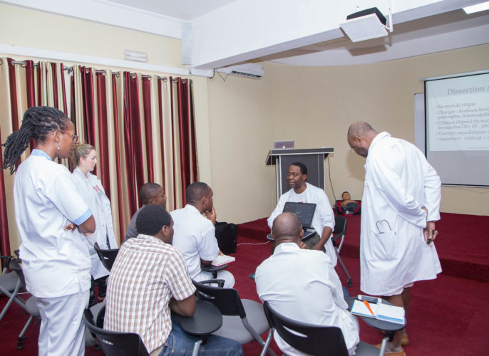 formation médicale continue et d'encadrement par une équipe de médecins et infirmiers urgentistes de la MNS Belgique